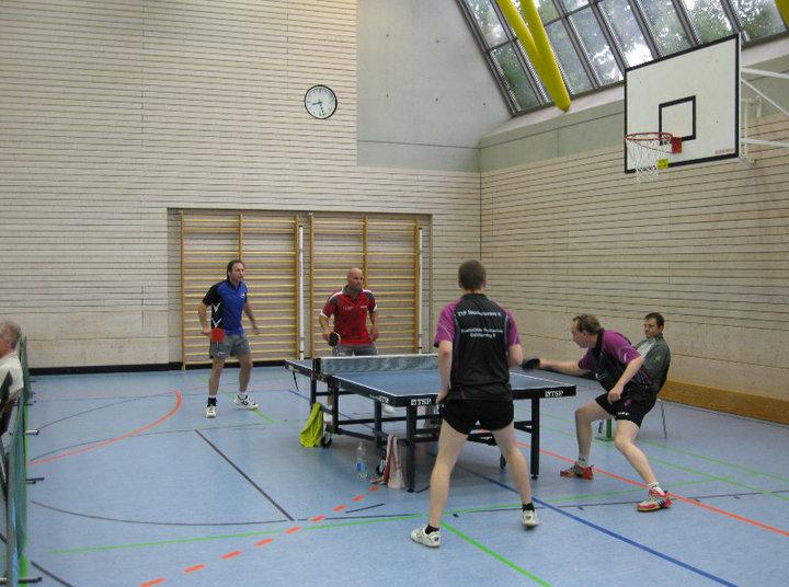 Freundschaftsspiel der TTF Herren II gegen TV Nellingen-Auswahl endet 8:8